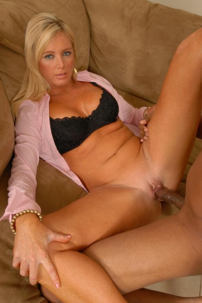 Cream pie milf in cinema wow