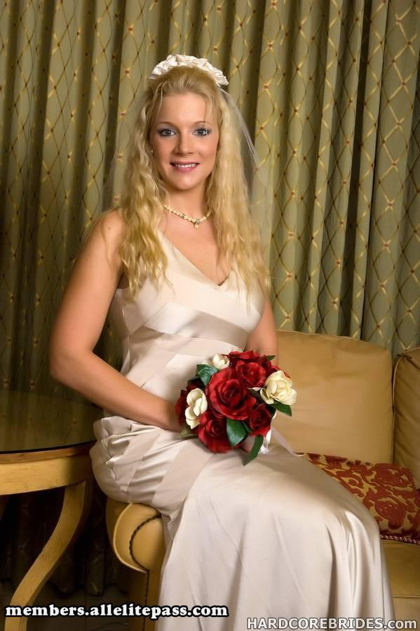 Порно первое ночь невесты